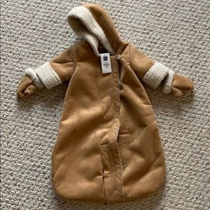 Brand New Gap faux shearling bunting jacket 0-3